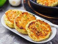 Кюфтета от тиквички със сирене и царевично брашно